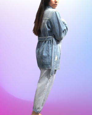 margot in jeans